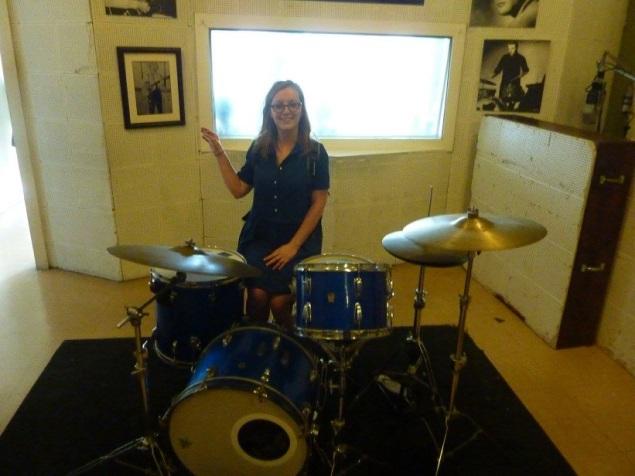 Leslie avec la batterie de U2